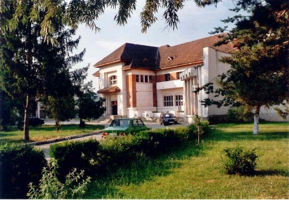 Clubul-din-Plopeni