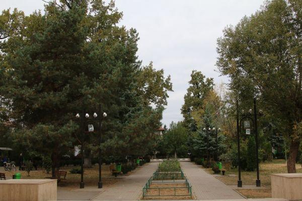 Casa-de-Cultura-Plopeni-si-Parcul-central-8